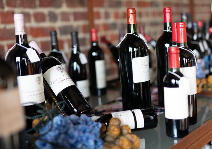 Ook nu laten wij u graag genieten van wijn